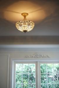 窓飾りと照明